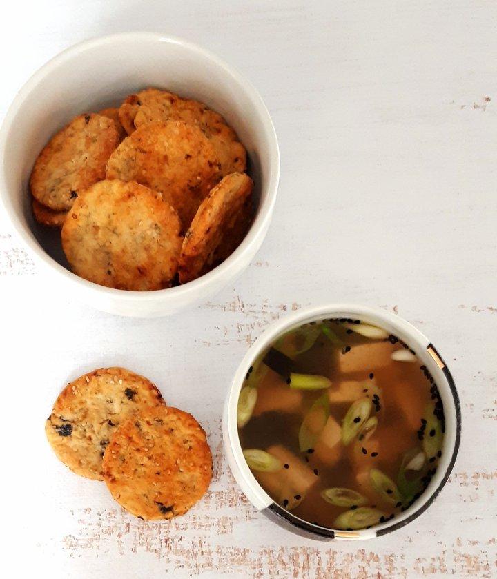 Soupe miso & crackers aux alguesnori